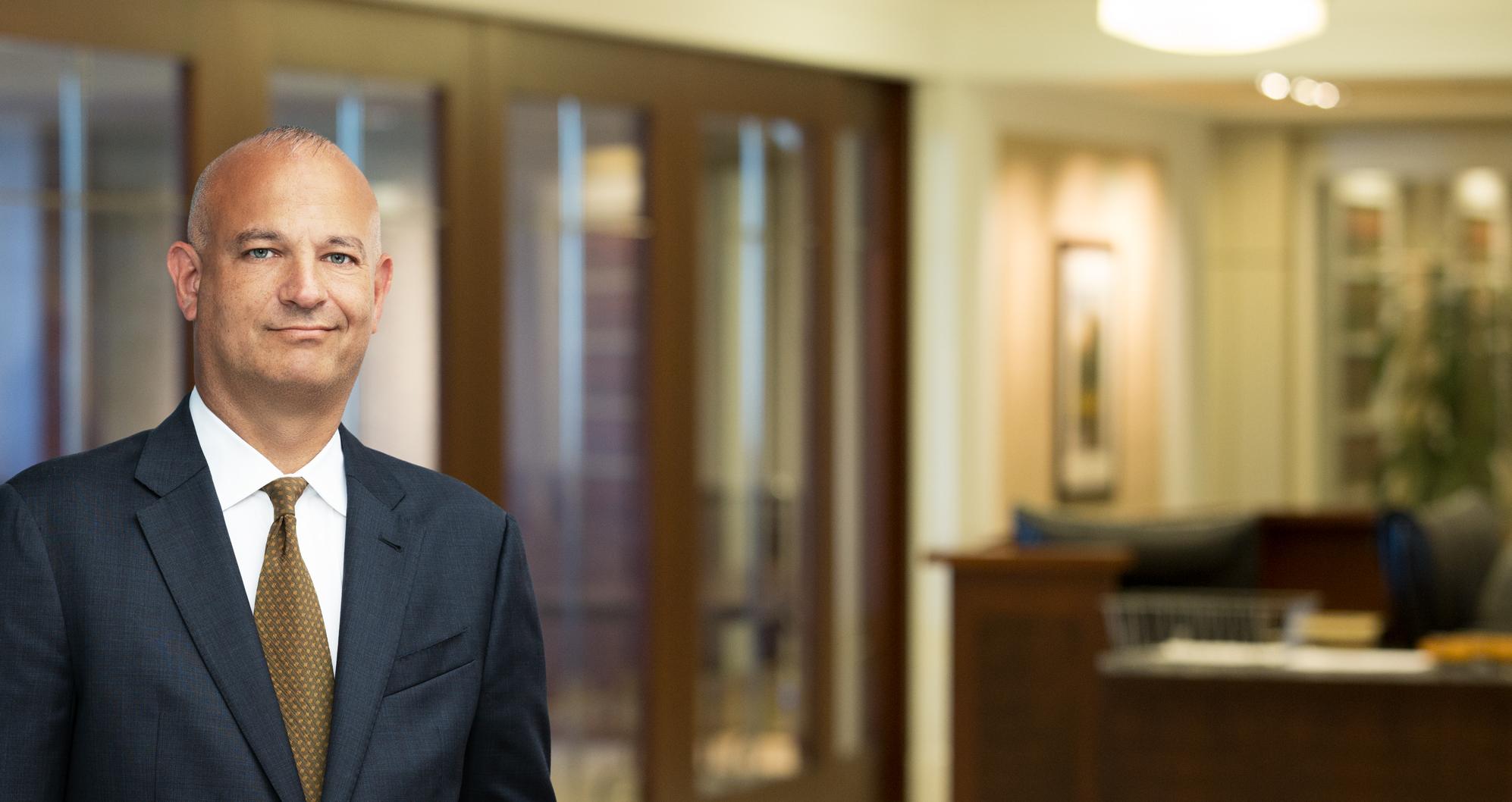 Adam Hollander, Chicago Attorney   Barnes & Thornburg