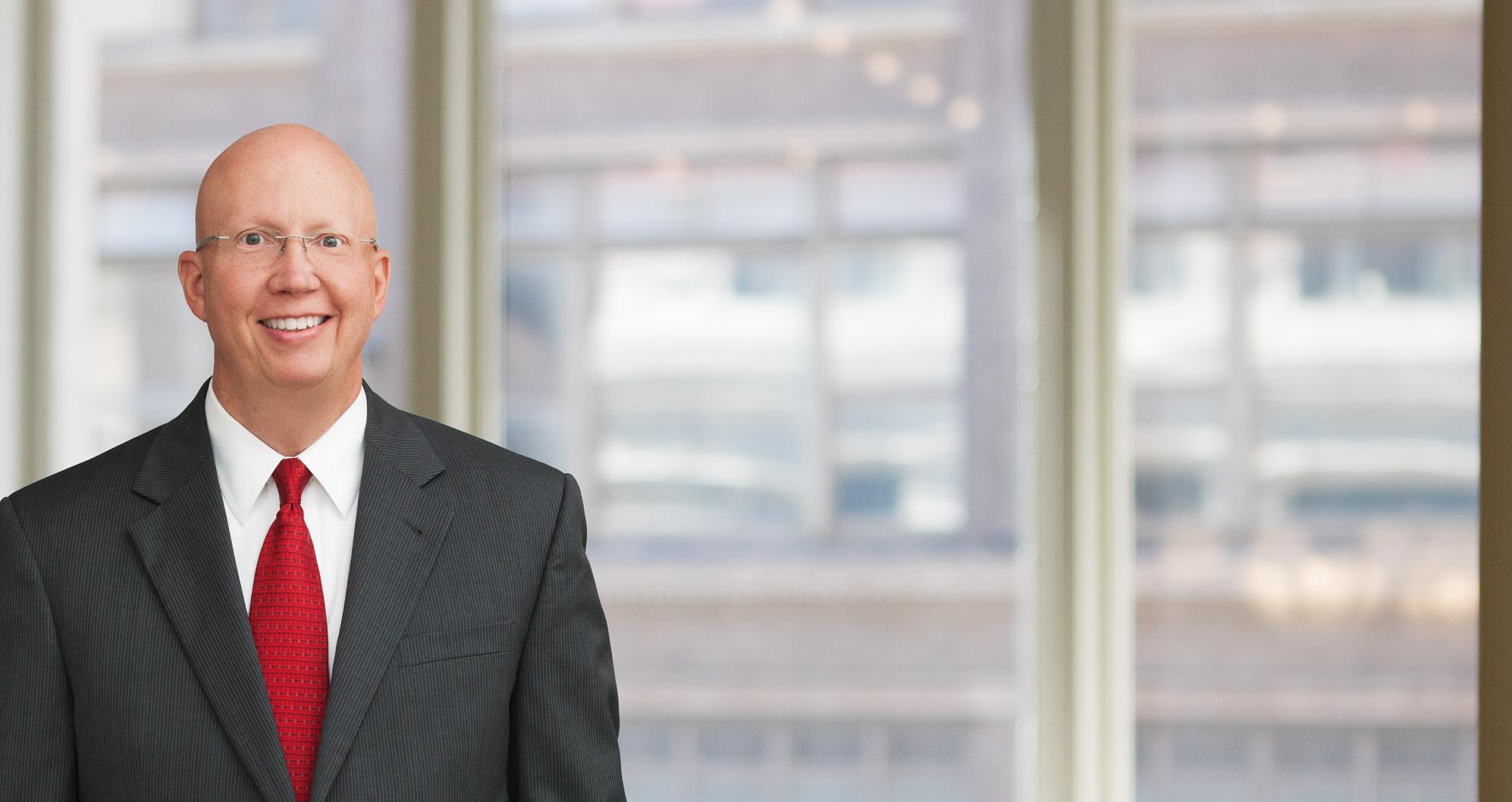 Douglas Everette, Indianapolis Attorney | Barnes & Thornburg