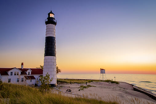 Michigan_lighthouse_Listing
